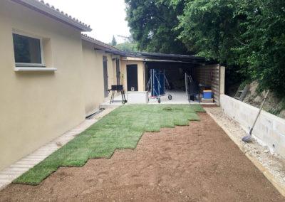 Création d'espaces pelouse en plaque de gazon