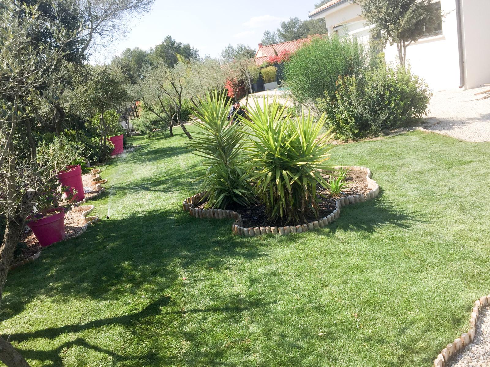 Tous les soins de paysagistes et jardiniers à l'attention de vos espaces verts sur le Gard et l'Hérault