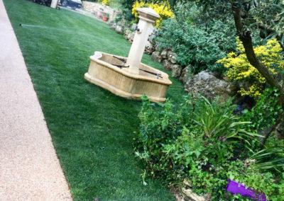 Une pelouse arrosée automatiquement : confort et économies